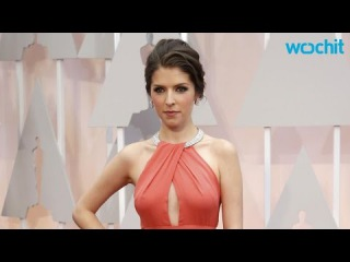 Anna Kendrick Wears Gorgeous Peekaboo Coral Gown at the 2015 Oscars, Proves She's a Real-Life Prince