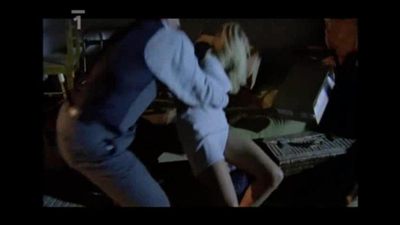 сексуальное насилие(изнасилование,rape) из фильма Obeti: Znasilneni(Изнасилованные) - 2001 год, Катерина Брозова