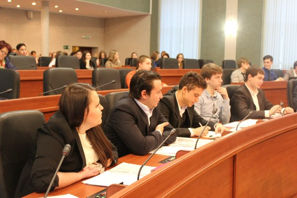 Депутаты Молодежного парламента