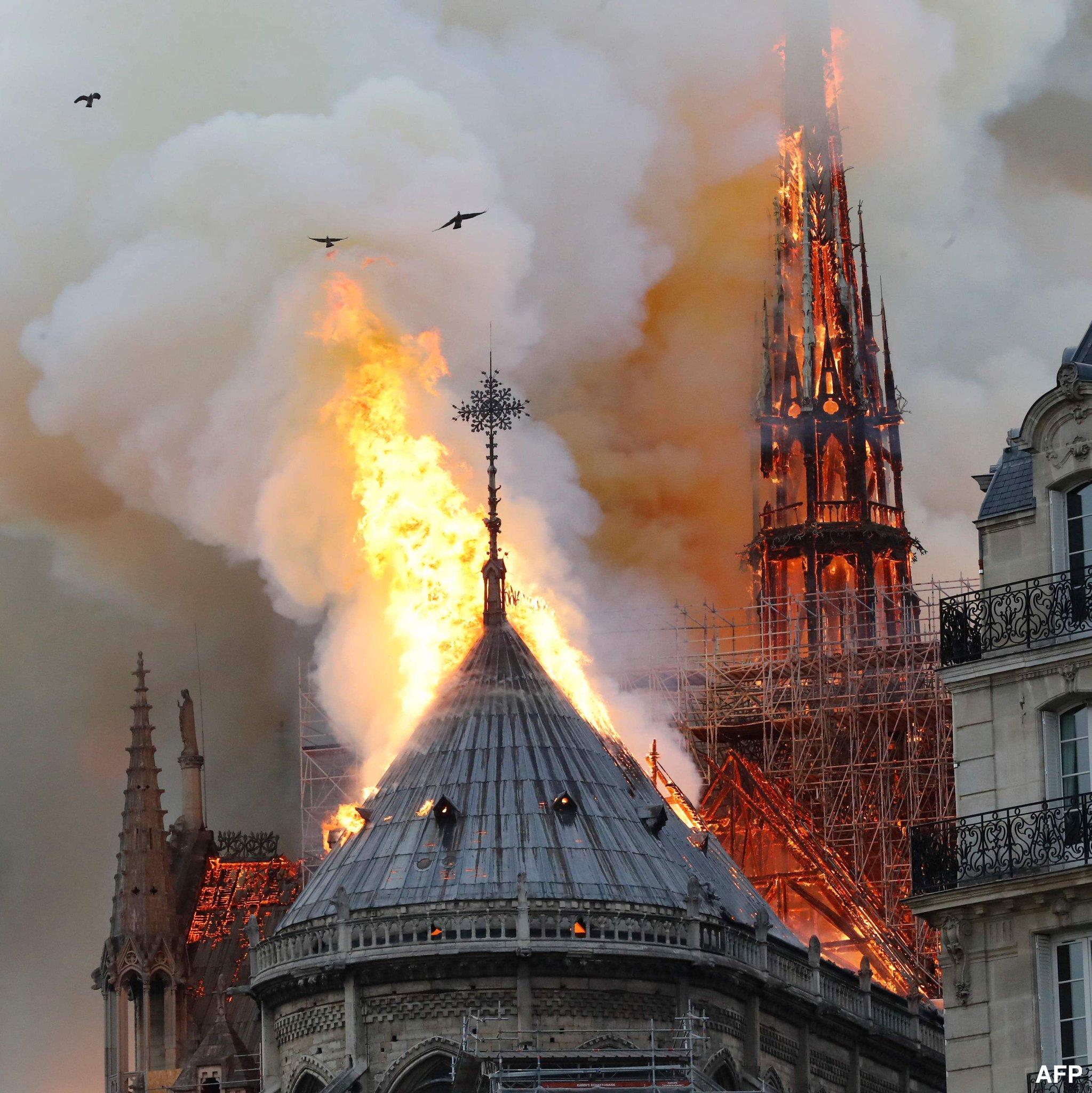 Сердце христианской Европы - Нотр-Дам де Пари уничтожен пожаром