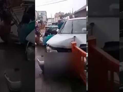 Пьяный водитель врезался в ограждение в центре Улан-Удэ