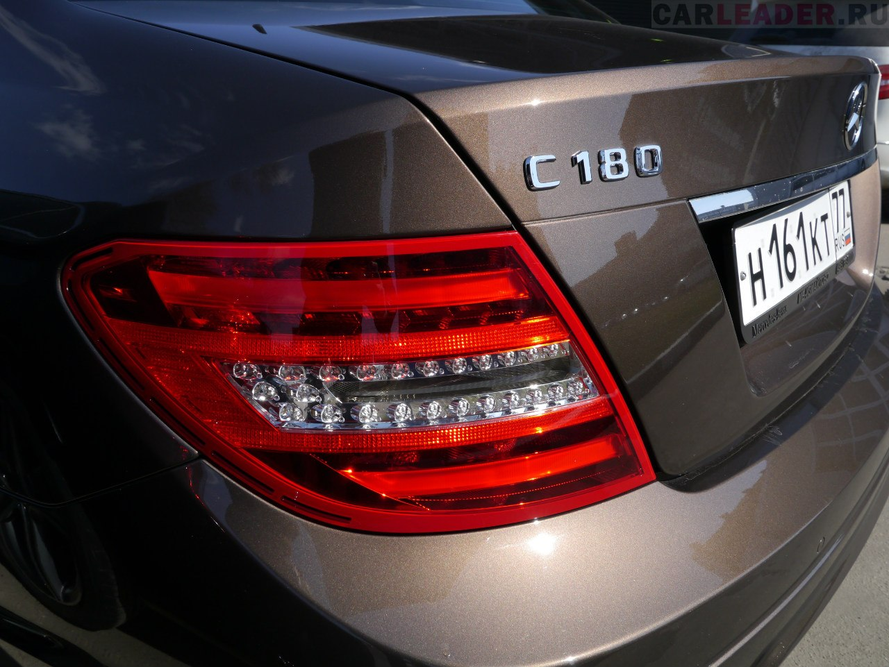 А все началось с Mercedes C 2013: немецкие инженеры показали всему миру, как нужно делать сверхъяркие диодные лампы.