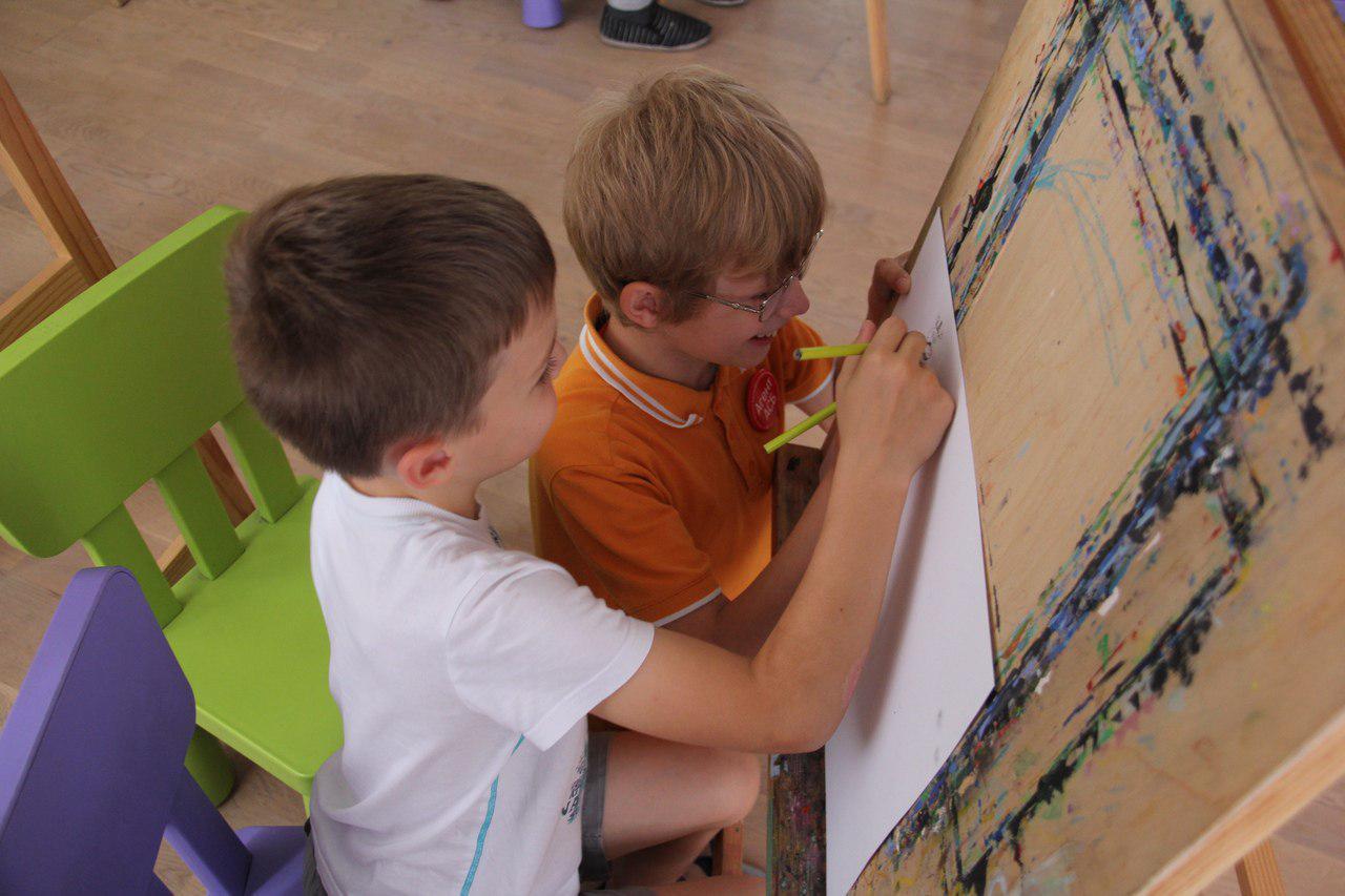 Рисовать комиксы научили в клубе «Огонек» на Зеленоградской