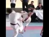Вертуха в прыжке пяткой в голову наповал в Кёкусинкай карате. Подготовка бойца http://vk.com/oyama_mas