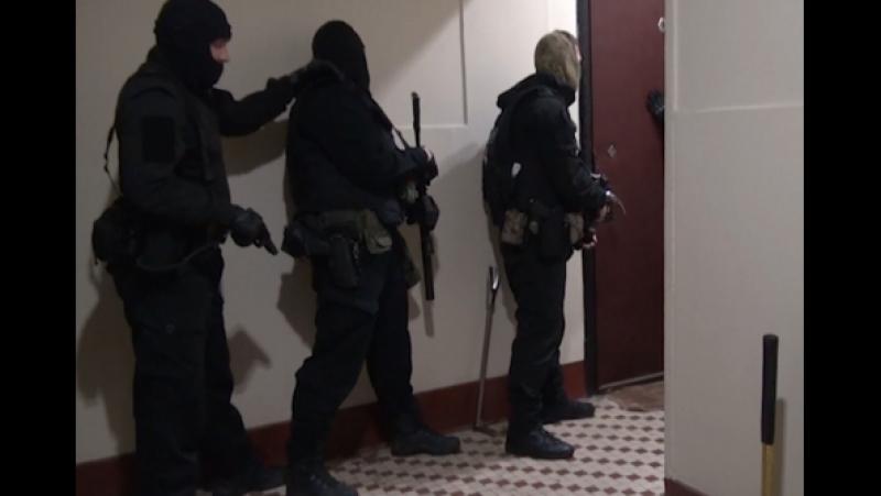 В Москве задержаны трое подозреваемых в разбойном нападении под предлогом покупки канареек