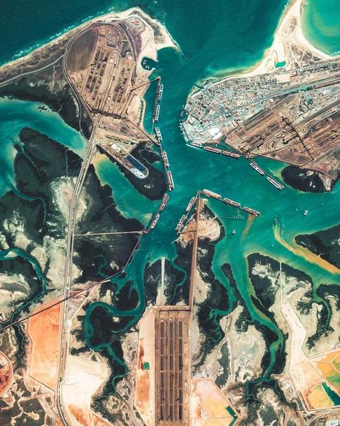 Порт Хедленд в Австралии один из крупнейших портов в мире Порт Хедленд (Port Hedland) это самый большой порт для погрузки железной руды в Австралии, который также относится к перечню крупнейших