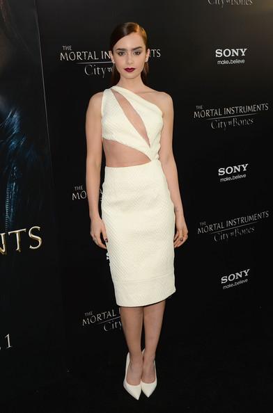 Лили Коллинз в белом