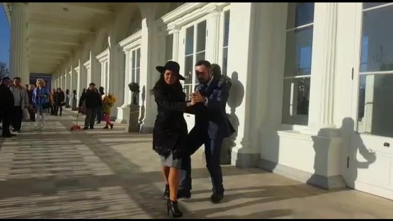 Александр Сухов и Нина Конская аргентинское танго, прогулка в Пушкине