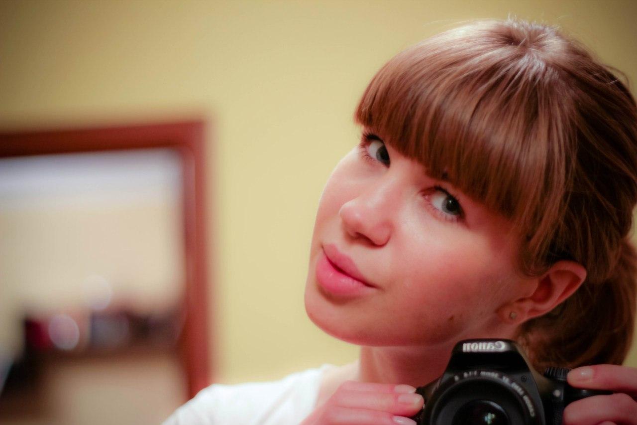 Фото девушек перед зеркалом в купальнике 24 фотография