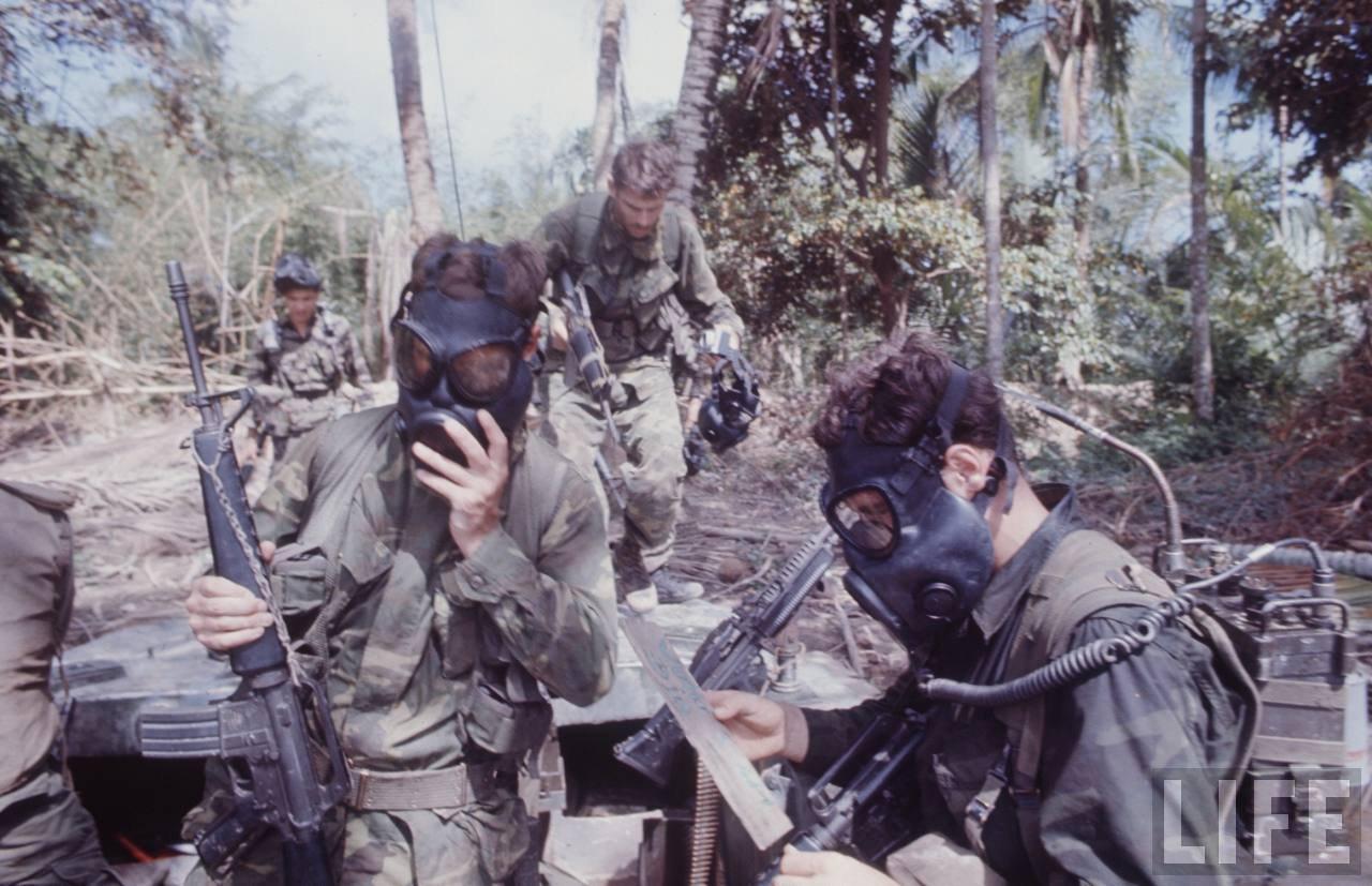 guerre du vietnam - Page 2 -bN8dbEBsR8