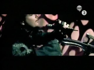 Korn - Thoughless (Official Video)