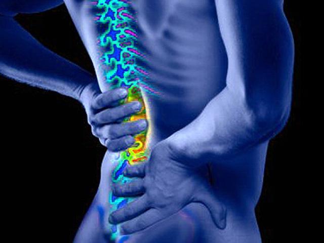Каковы общие причины острых болей в спине?