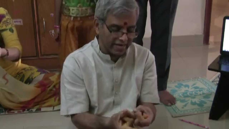 How to do Dasha mudras in Devi NavaavaraNa Puja: Lecture Demonstration
