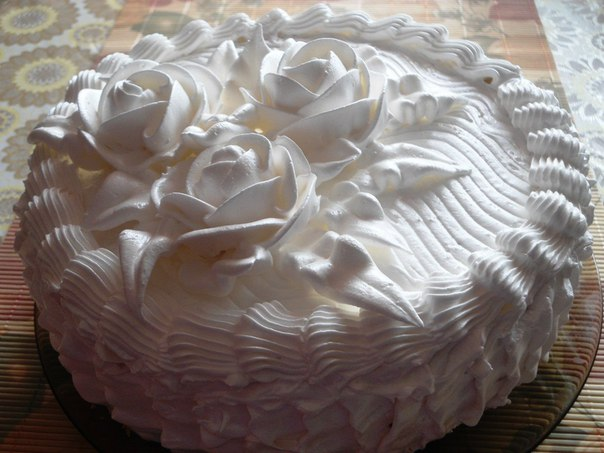 Бисквитный торт с белковым кремом рецепт с фото пошагово