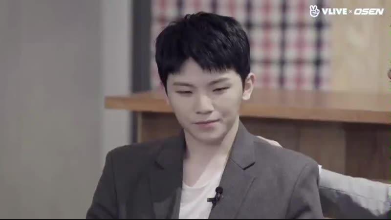 Woozi couldnt look joshua in the eyes once throughout his whole compliment