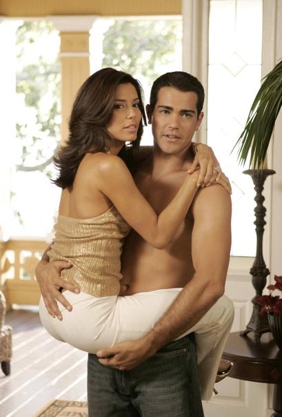 Габи и Карлос / Габи и Джон «Отчаянные домохозяйки» (20042012)