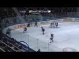 khl Амур - Слован (2012.11) Интересный момент. Судья так засмотрелся на хоккей, что забыл про то, что у него за спиной бортик
