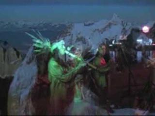 Love Mountain.Уаман Флор Нивио