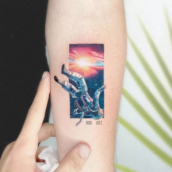 Мини-татуировки Идена Козокаро (ozo) Талантливый мастер тату-мастер ozo живет и работает в Тель-Авиве. Прославился татуировками, сюжеты которых отражают известные сцены из фильмов и