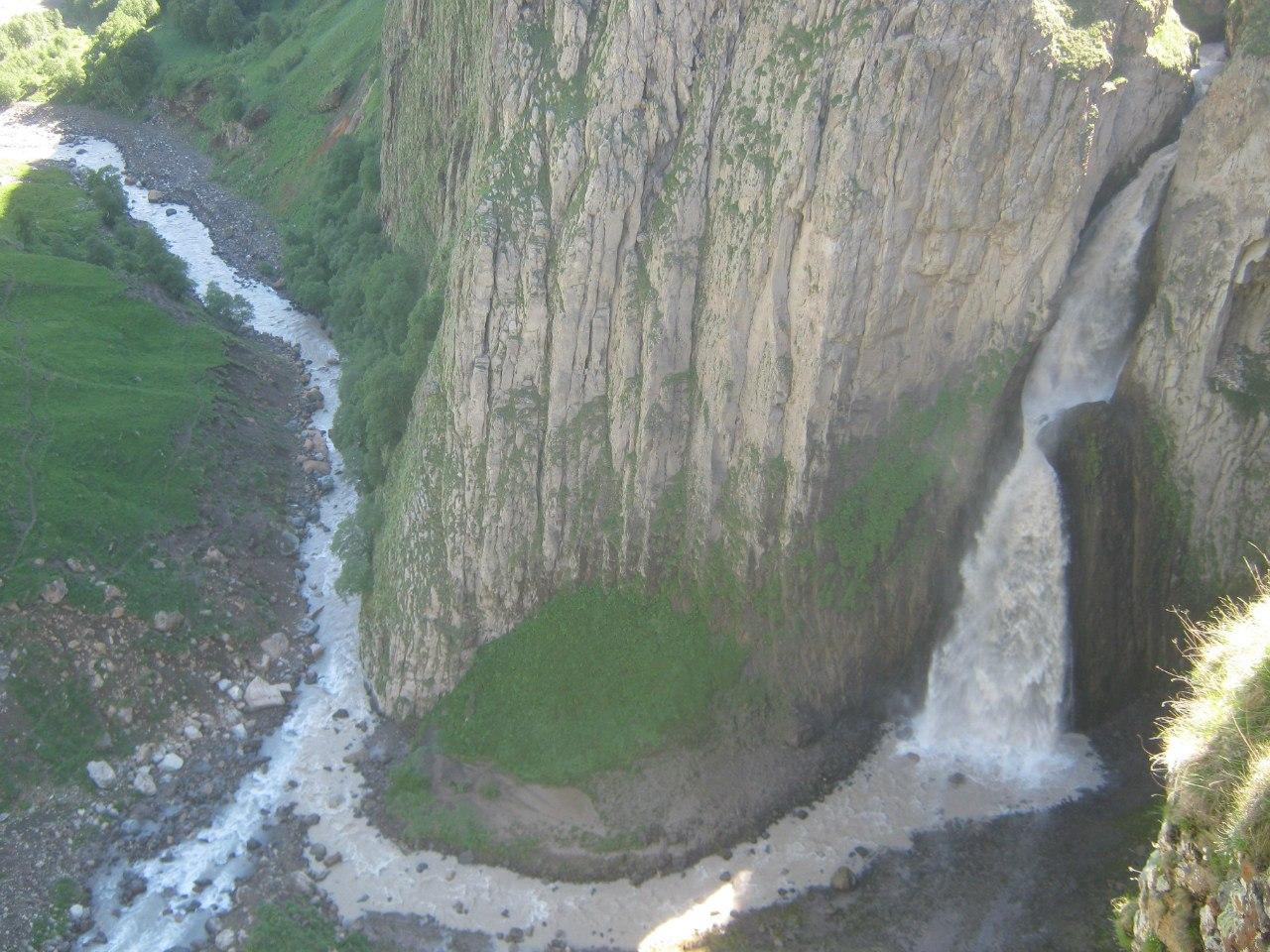 """Третий водопад (""""печёночный"""") в Джилы Су"""