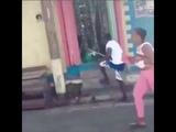 JAMAICANOS comemoram GOL DO BRASIL nas ruas da Jamaica ( Copa da R