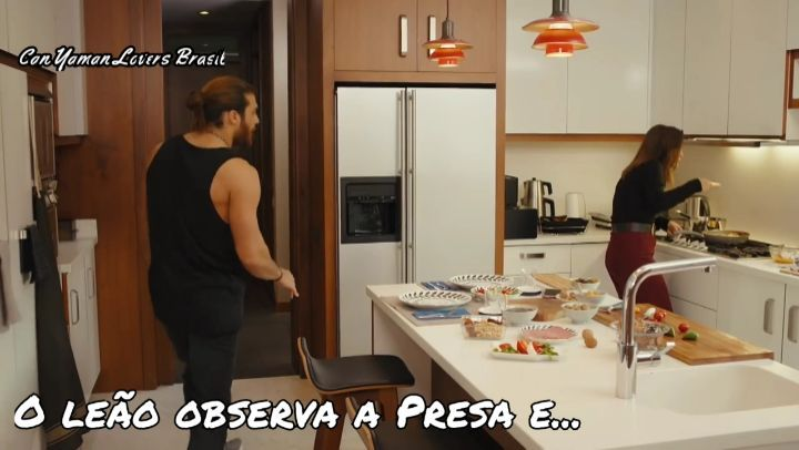 """Can Yaman Lovers Brasil on Instagram """"Günaydın Lovers ! Botas força na peruca que hoje é Segunda ...Não deram trailer pra gente ontem,mas em compe..."""