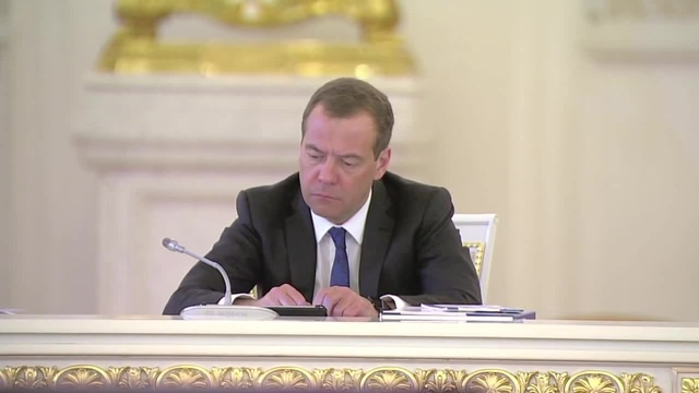 Медведев вновь срывает заседание