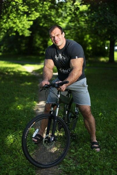 Denis Cyplenkov on a bike
