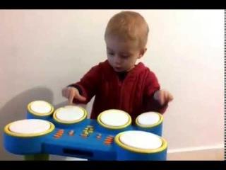 Malish i detskij sintezator