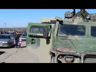 Войска России и неизвесные люди в гражданском блокируют ВЧ Украины!