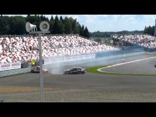 столкновение во 2-й гонке российского этапа WTCC 2013