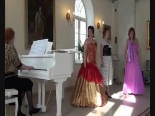 Трио девушек из оперетты Сто чертей и одна девушка Т. Хренников