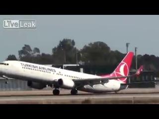 Турецкий самолет едва не разбился в Испании