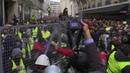 ВПариже растет число задержанных после акций протеста. Новости. Первый канал