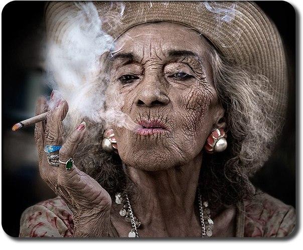 Моя бабушка больше не курит