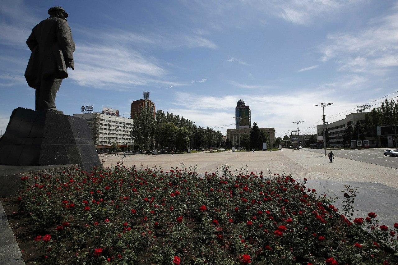 Пустая площадь имени Ленина