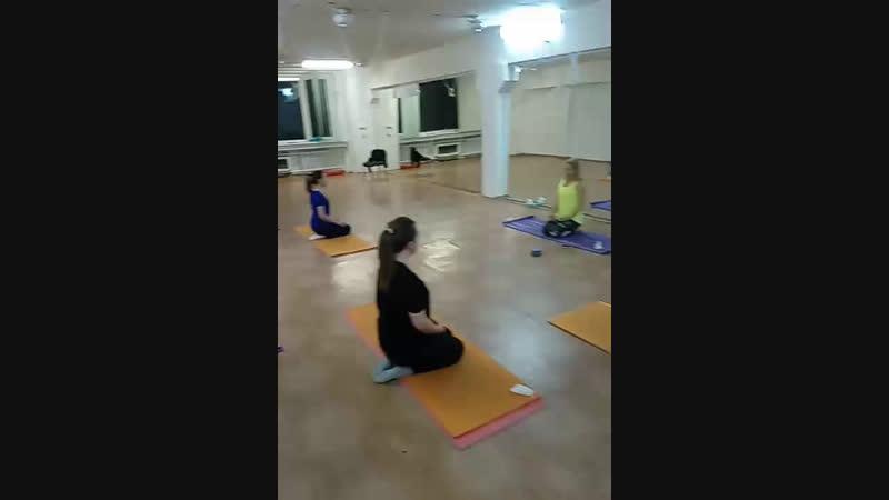 Хатха-йога. Группа для начинающих. запись по ☎️ 89135092769 или пишите @solnechnay_elena