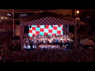 Лука Модрич пригласил на сцену ребенка с синдромом Дауна во время встречи сборной Хорватии