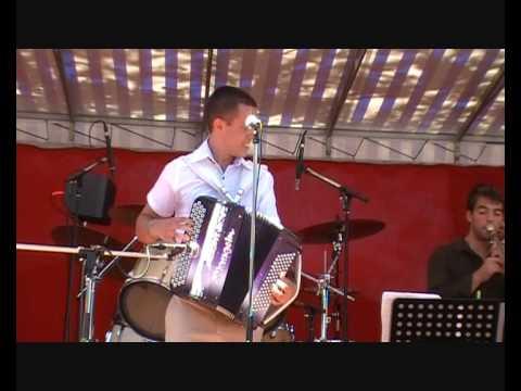 A fond la caisse par Lionel Belluard au festival d'accordéon de Lesterps
