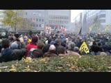 Des milliers de manifestants à Schuman. Le rond-point est trop petit ! #MarsTegenMarrakesh #MarcheContreMarrakech #Bruxelles