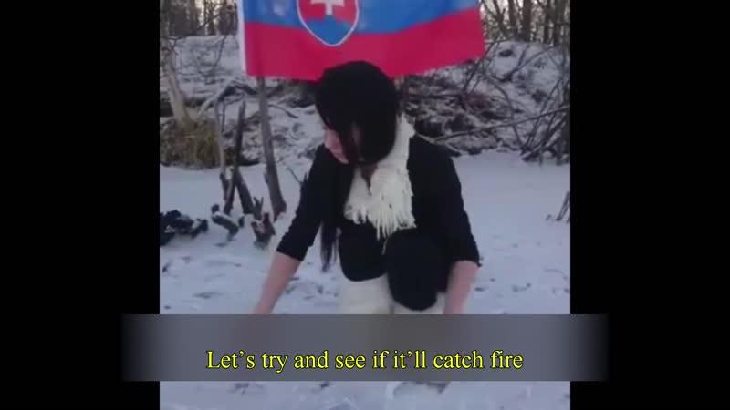 Finlande - Une Femen, chienne de garde du juif Soros, urine sur le Coran et le brûle