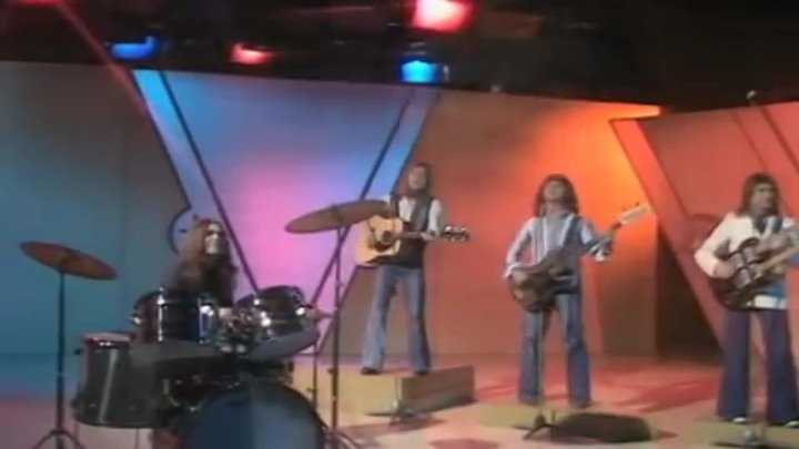 Smokie - I'll Meet You At Midnight (BBC Basil Brush Show 09.10.1976)