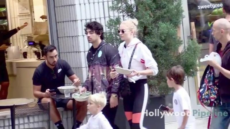 Joe Jonas and Sophie Turner Doin Average People Stuff - Grab Dinner to Go
