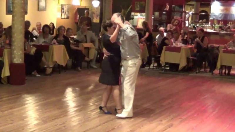 Osvaldo y Coca Tango Poema Francisco Canaro En: La Yumba de Dorita Club Gricel (Martes 15-10-13)