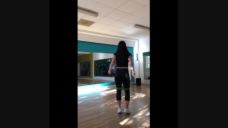 Тренировка с резиночками
