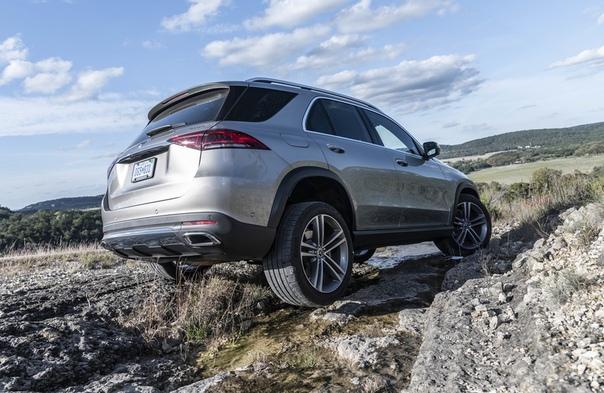 Первый русский «Мерседес» – тест нового поколения GLE. Самый популярный кроссовер Mercedes-Benz получил кучу интересных «фишек», но нам достанутся далеко не все…Если вы вдруг пропустили или не