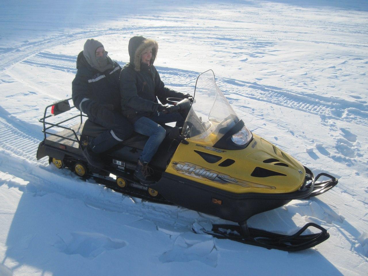 Спасатели отметили 15-летие ТОСЭР катанием на снегоходах с журналистами  6