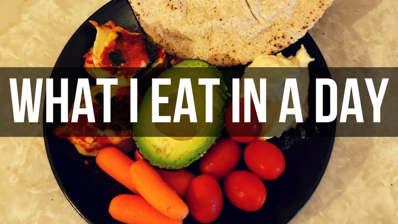 What I Eat In A Day (ft. Luna, Cleo Kitkat!)
