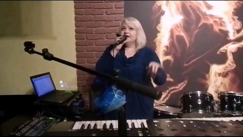 Оля Ля Лисниченко - Frozen (cover Madonna) 2015 Live