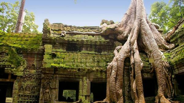 Древний затерянный город обнаружили в Камбоджи Город, основанный примерно 12 веков назад, был обнаружен археологами в горных джунглях Камбоджи. Международная команда исследователей обнаружила
